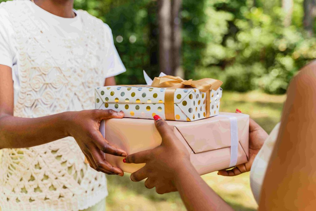 5 Ways To Show Love To Your Partner - Gifts and surprises